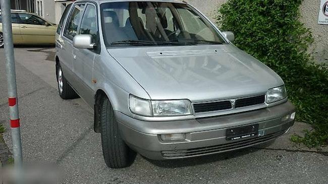 van Hyundai Santamo 2000