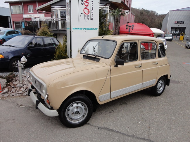 saloon Renault R4 1100 GTL