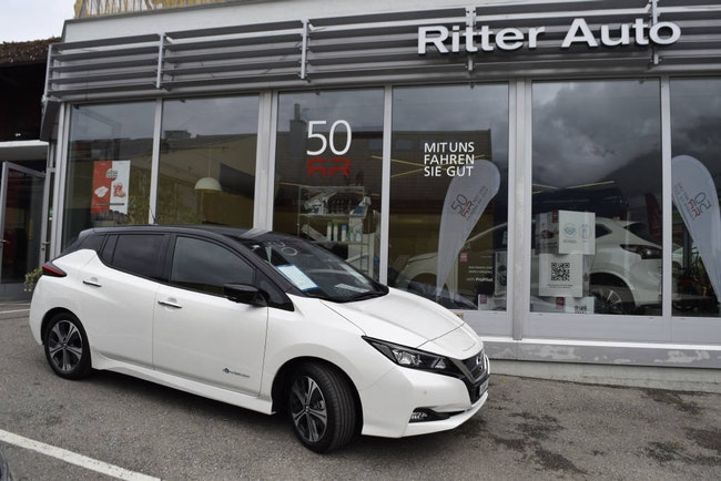 saloon Nissan Leaf N-Connecta 40 kWh