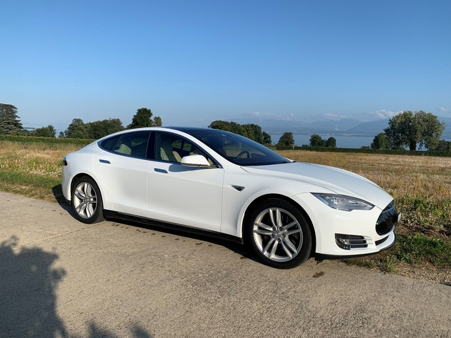 saloon Tesla Model S 90 D