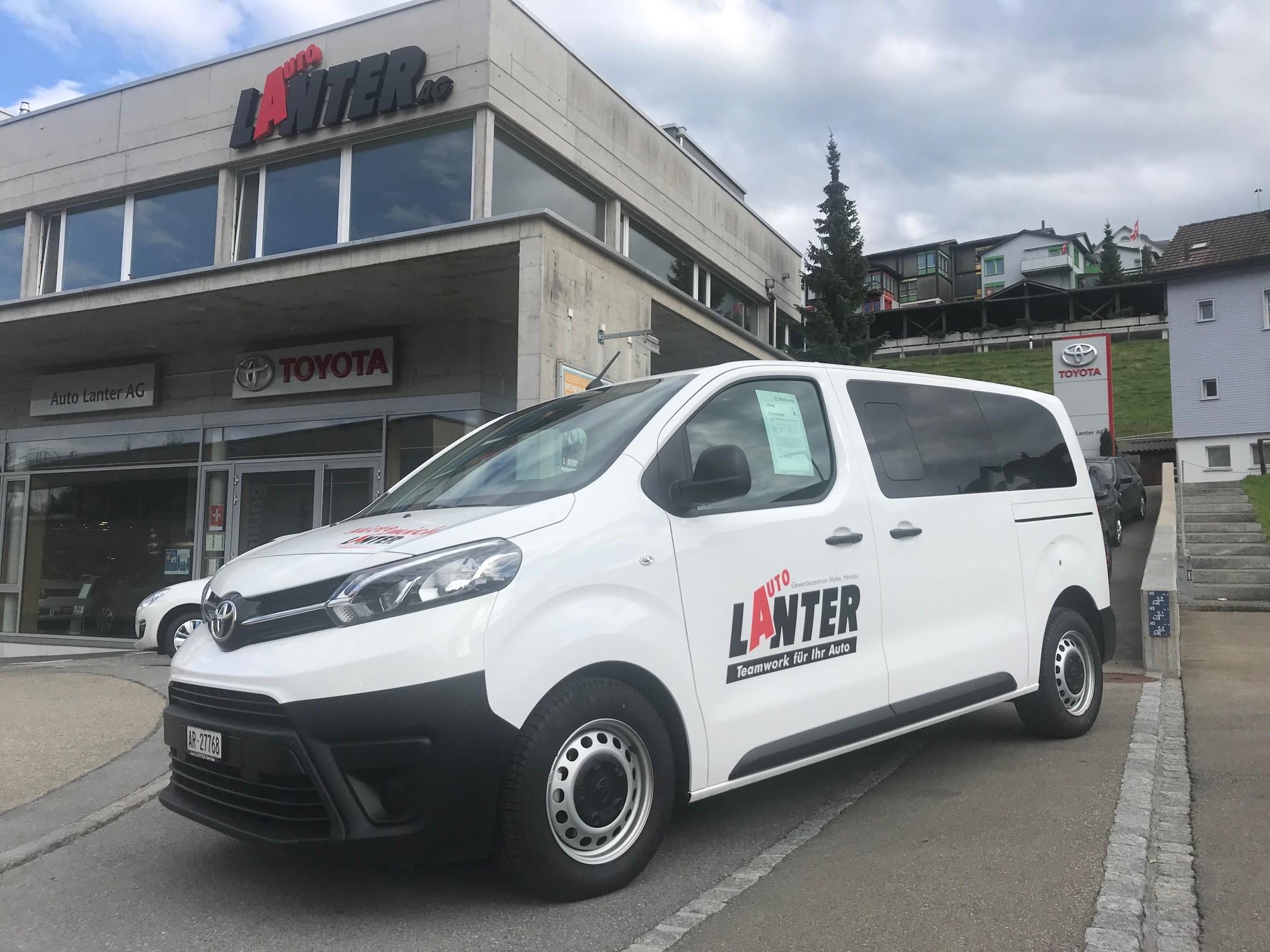 bus Toyota Proace Kombi L1 2.0 D Combi 4x4
