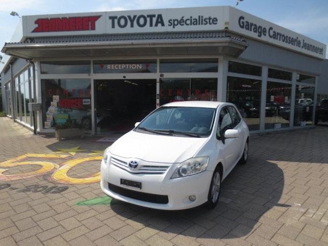 saloon Toyota Auris 1.6 Linea Sol Multimode