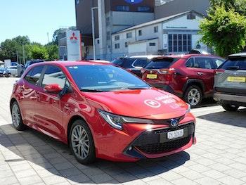 saloon Toyota Corolla 2.0 HSD Trend +
