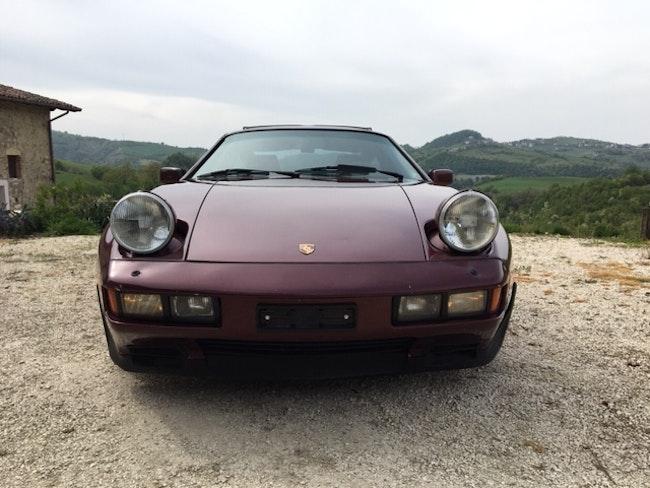 sportscar Porsche 928 4.7 S