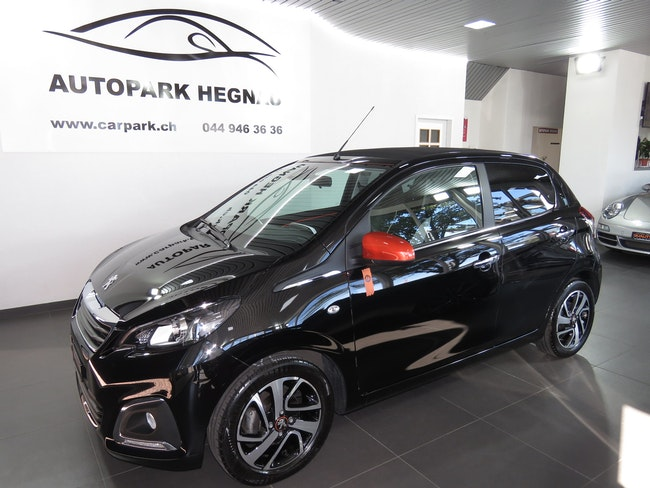 saloon Peugeot 108 1.2 VTi Roland Garros Top