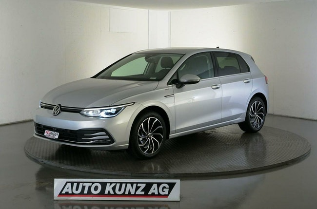 saloon VW Golf 8 1.5 eTSI mHEV Mild-Hybrid Style 2020 Aut.