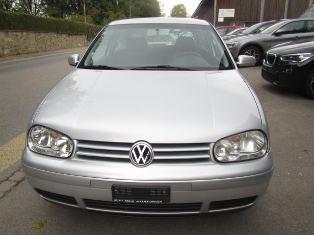 saloon VW Golf 2.0 Trendline