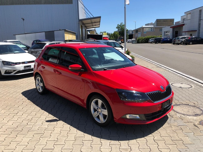 saloon Skoda Fabia 1.2 TSI Swiss Joy