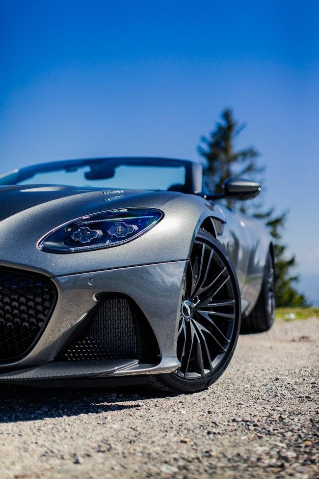 cabriolet Aston Martin DBS Superleggera Volante
