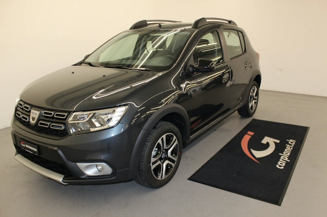 saloon Dacia Sandero 0.9 TCe Celebration S/S