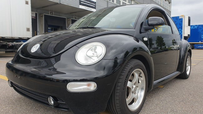 saloon VW Beetle 2.0