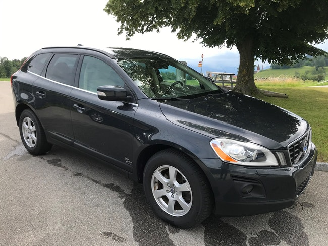 suv Volvo XC60 2.4D AWD Momentum Geartronic