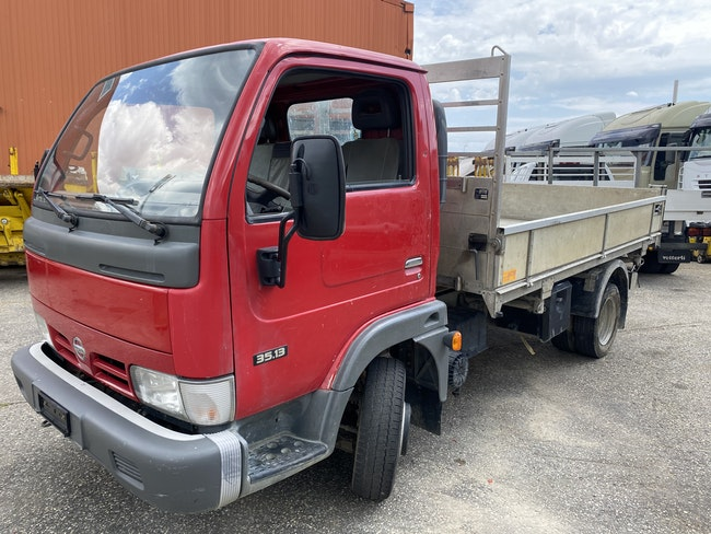 van Nissan Cabstar Kab.-Ch. 35.13 3400 2.5 T 130 Premium