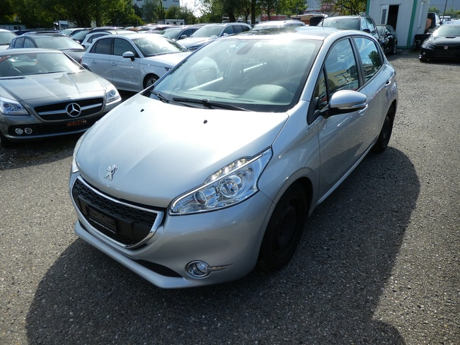 saloon Peugeot 208 1.6 e-HDI Active