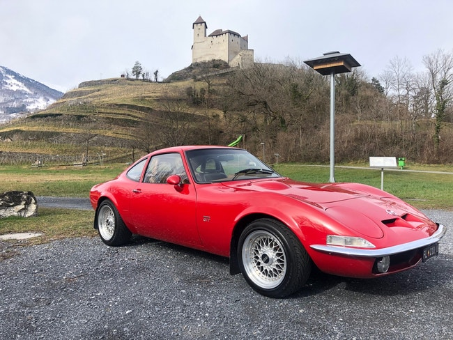 coupe Opel GT 400