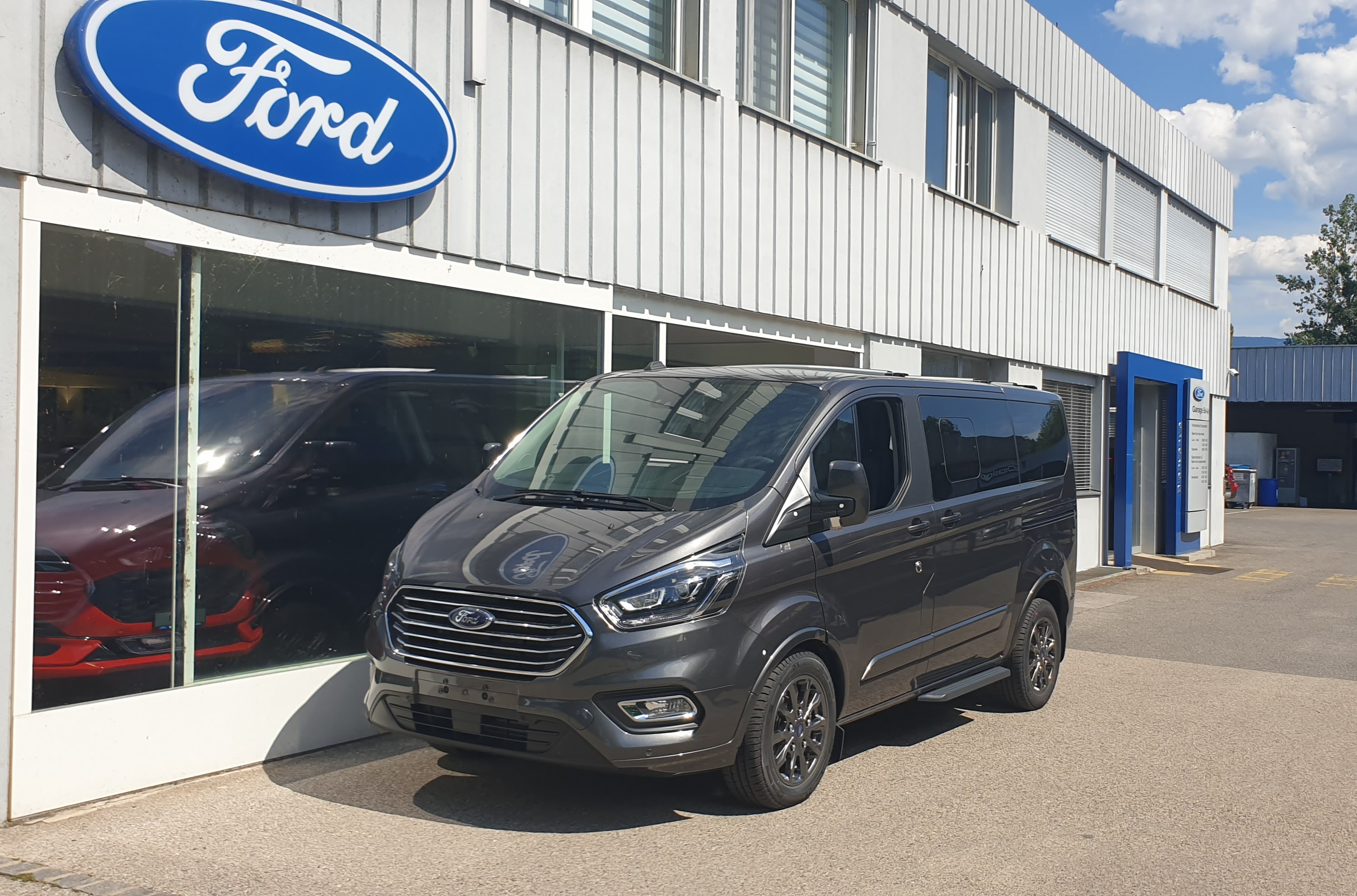 bus Ford Tourneo C bus 320 L1 2.0 TDCi