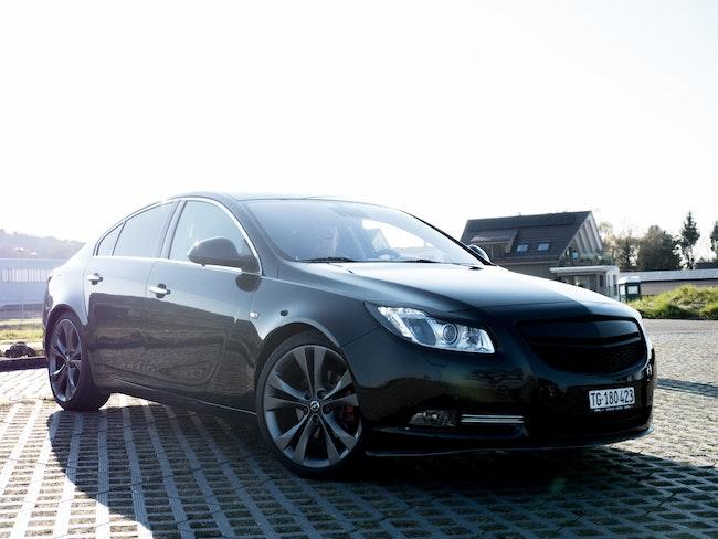 saloon Opel Insignia 2.0 T Sport