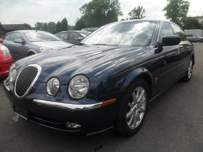 saloon Jaguar S-Type 3.0 V6 Executive
