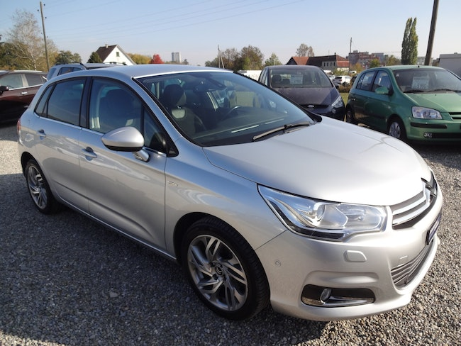 saloon Citroën C4 Berline 2.0 HDi Exclusive