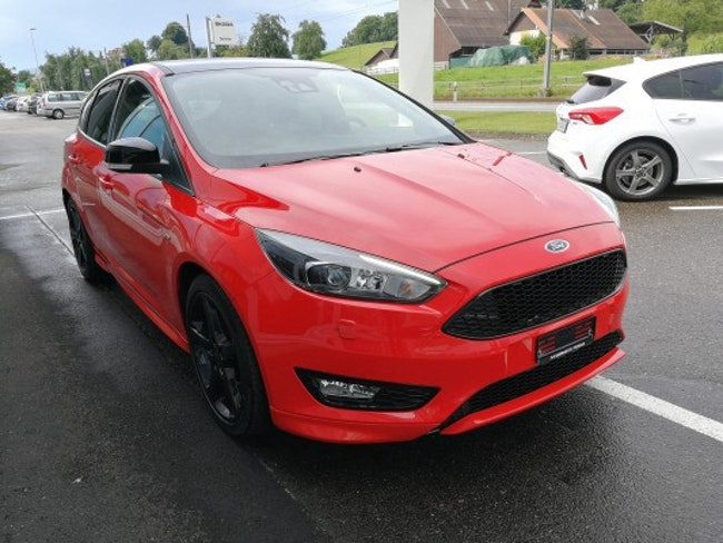 saloon Ford Focus 1.5 SCTi Red Ed