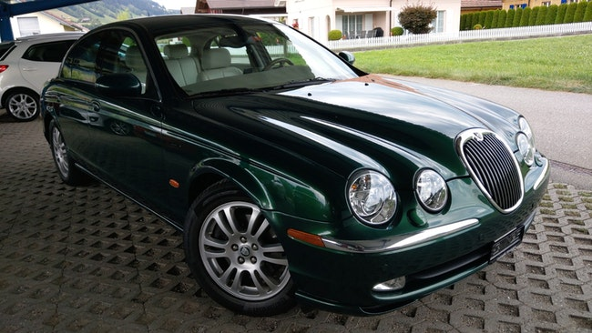 saloon Jaguar S-Type 4.2 V8 Executive