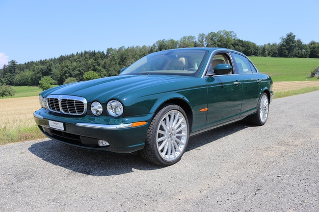 saloon Jaguar XJ 3.5 V8 Executive
