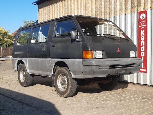 bus Mitsubishi L300 L 300 4x4 2.3