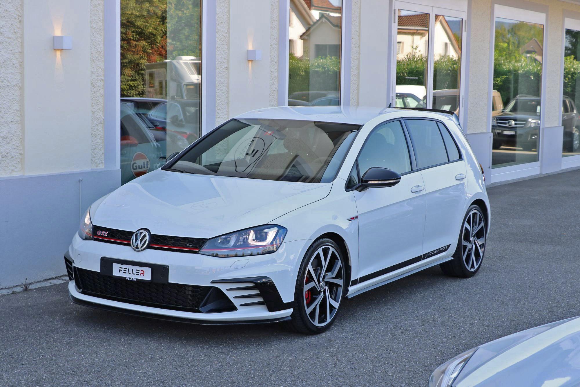 saloon VW Golf 2.0 TSI GTI Clubsport DSG