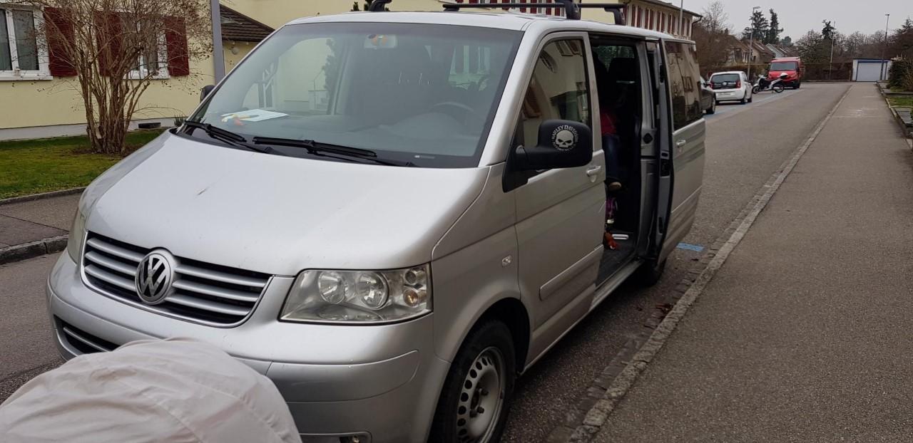 bus VW T5 Multivan Bus frisch MFK