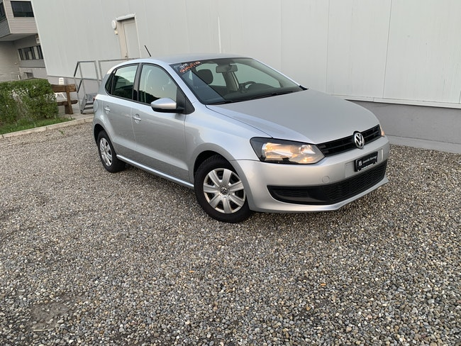saloon VW Polo 1.2 70 Trendline