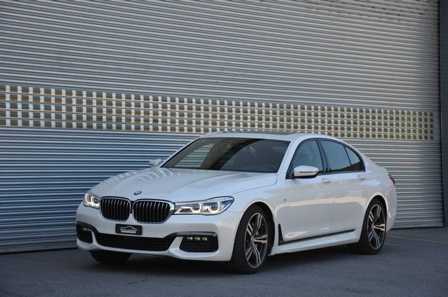 saloon BMW 7er 750i xDrive Steptronic