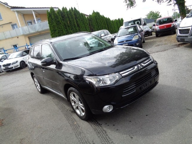 suv Mitsubishi Outlander 2.2 DID Navigator Safety 4WD Automatic