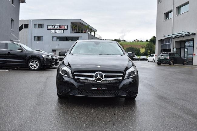 saloon Mercedes-Benz A-Klasse A 200 Style