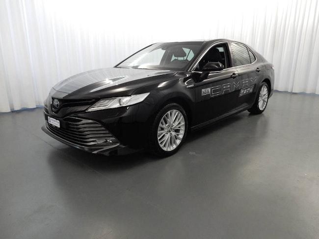 saloon Toyota Camry 2.5 HSD Premium