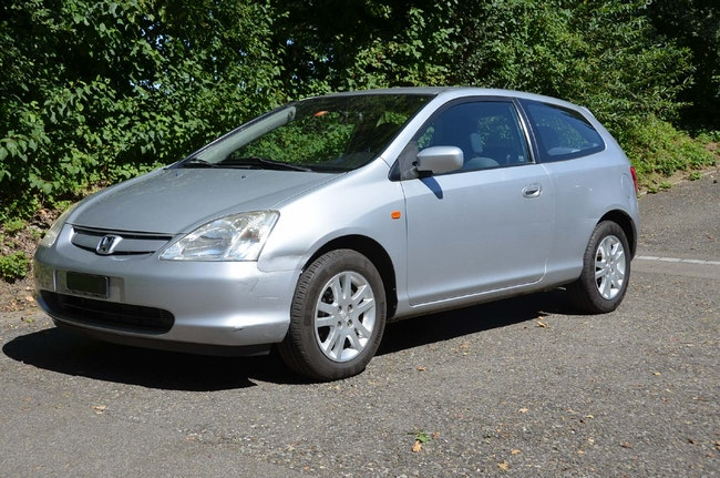 saloon Honda Civic 1.6i ES