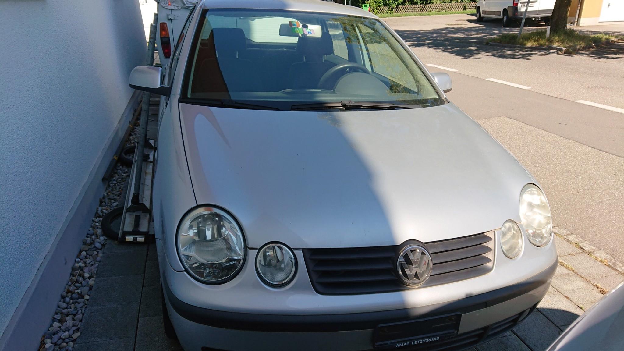 saloon VW Polo 1.4i