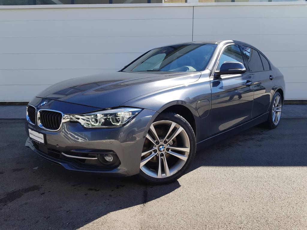 saloon BMW 3er 330e SAG