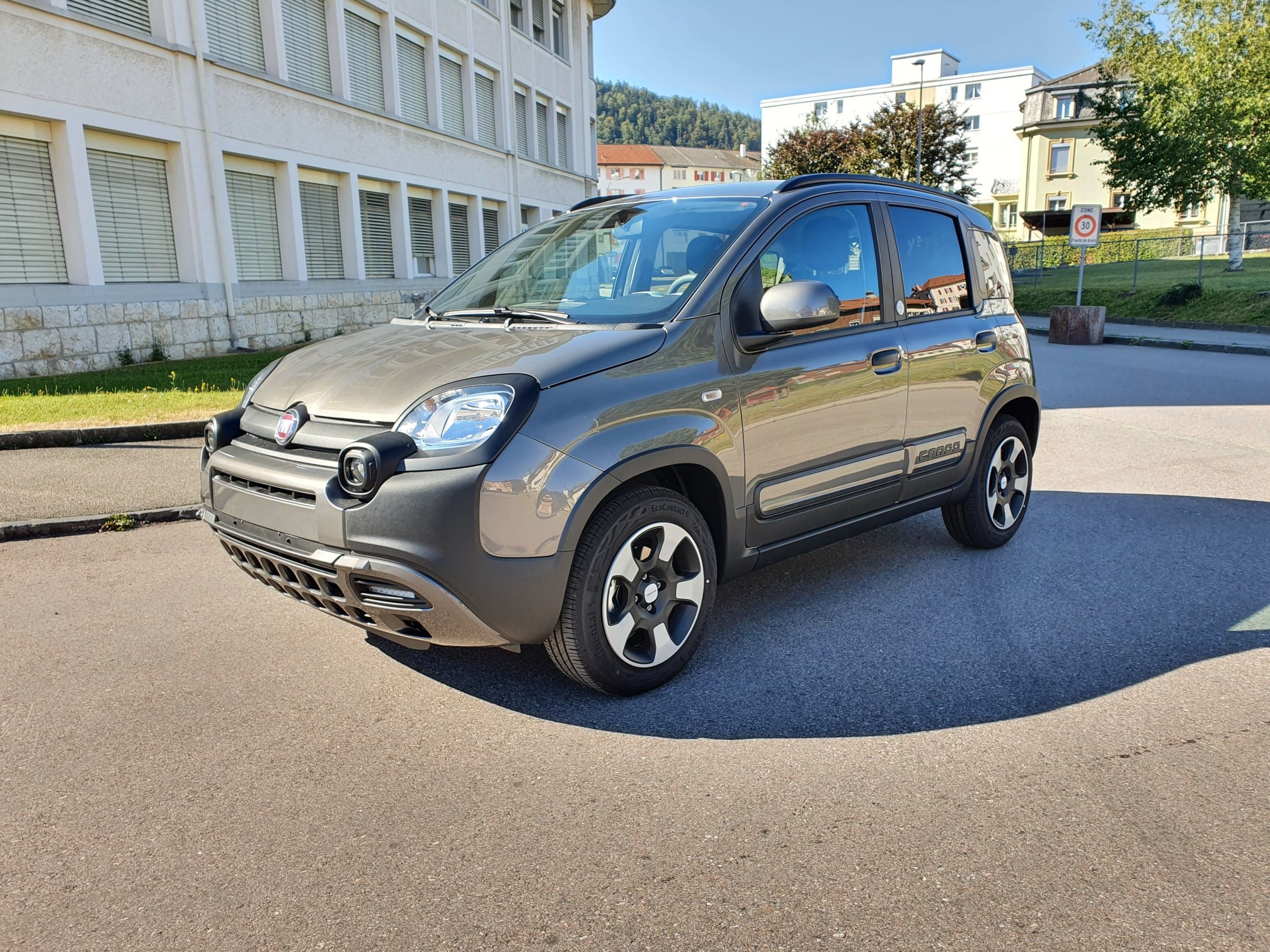 saloon Fiat Panda 1.0 MHEV Launch Edition