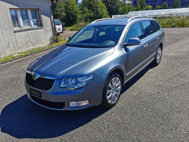 estate Skoda Superb Combi 2.0 TDi Elegance 4x4