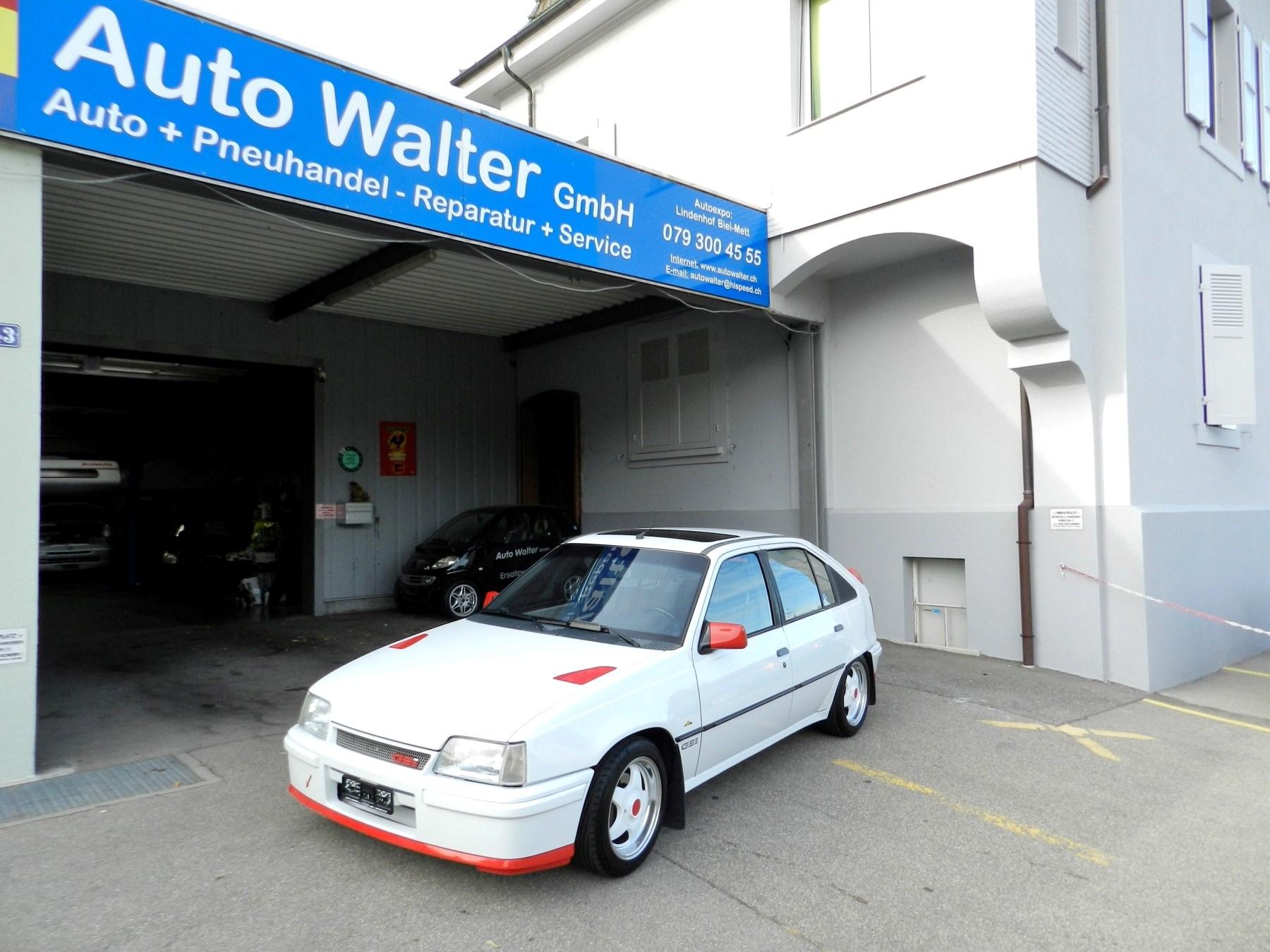 saloon Opel Kadett 2000i GSi