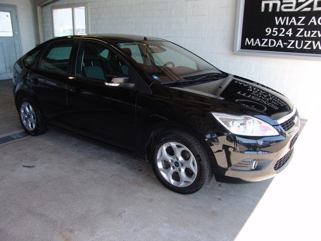 saloon Ford Focus 1.6 16V TDCi Carving