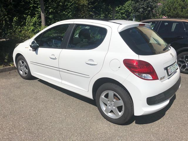 saloon Peugeot 207 1.4i 16V Millesim