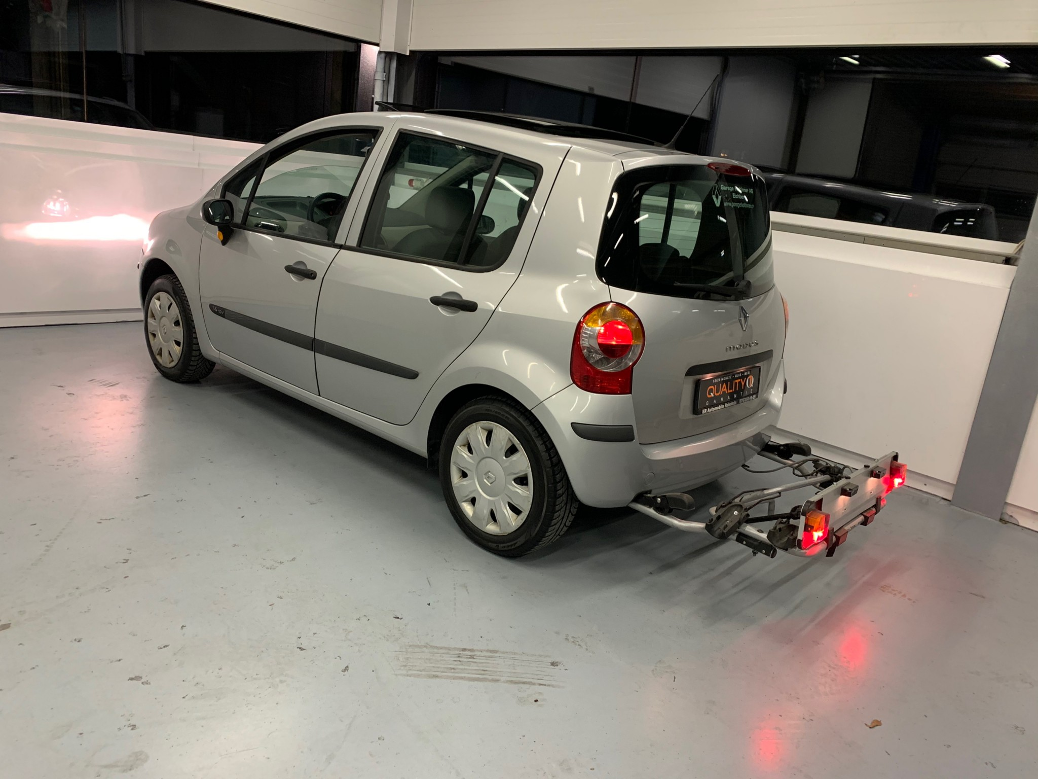 saloon Renault Modus Ab MFK Renault Modus 1.4 16V Klima Veloträget