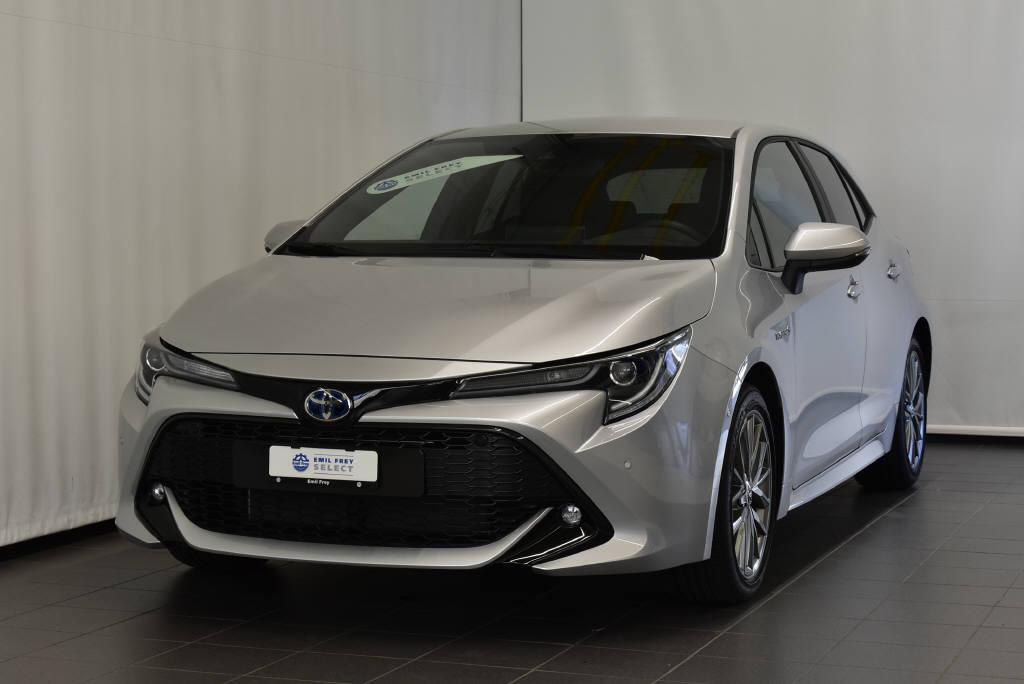 saloon Toyota Corolla 2.0 HSD Trend