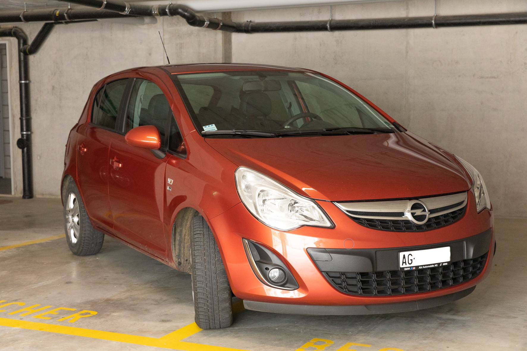saloon Opel Corsa 1.2i 16V TP Color Ed.