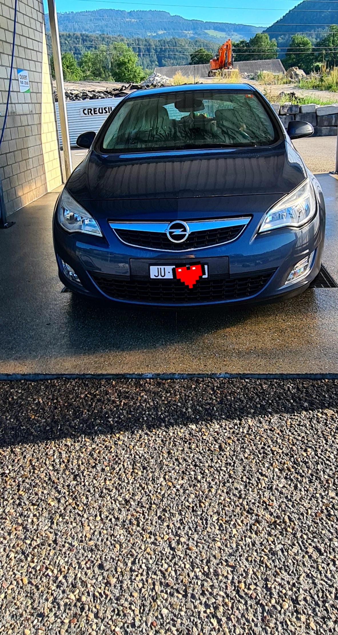 saloon Opel Astra 1.6 eTEC Enjoy