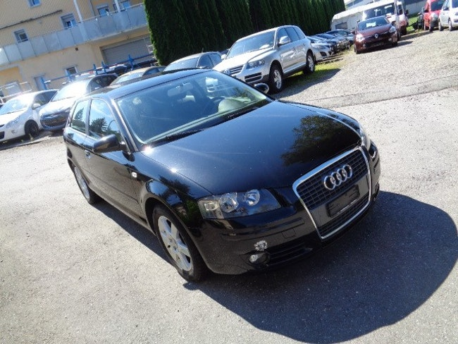saloon Audi A3 1.6 FSI Attraction