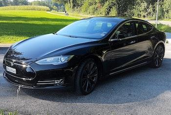 saloon Tesla Model S 85 Performance D