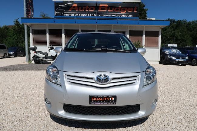 saloon Toyota Auris 1.8 Linea Luna