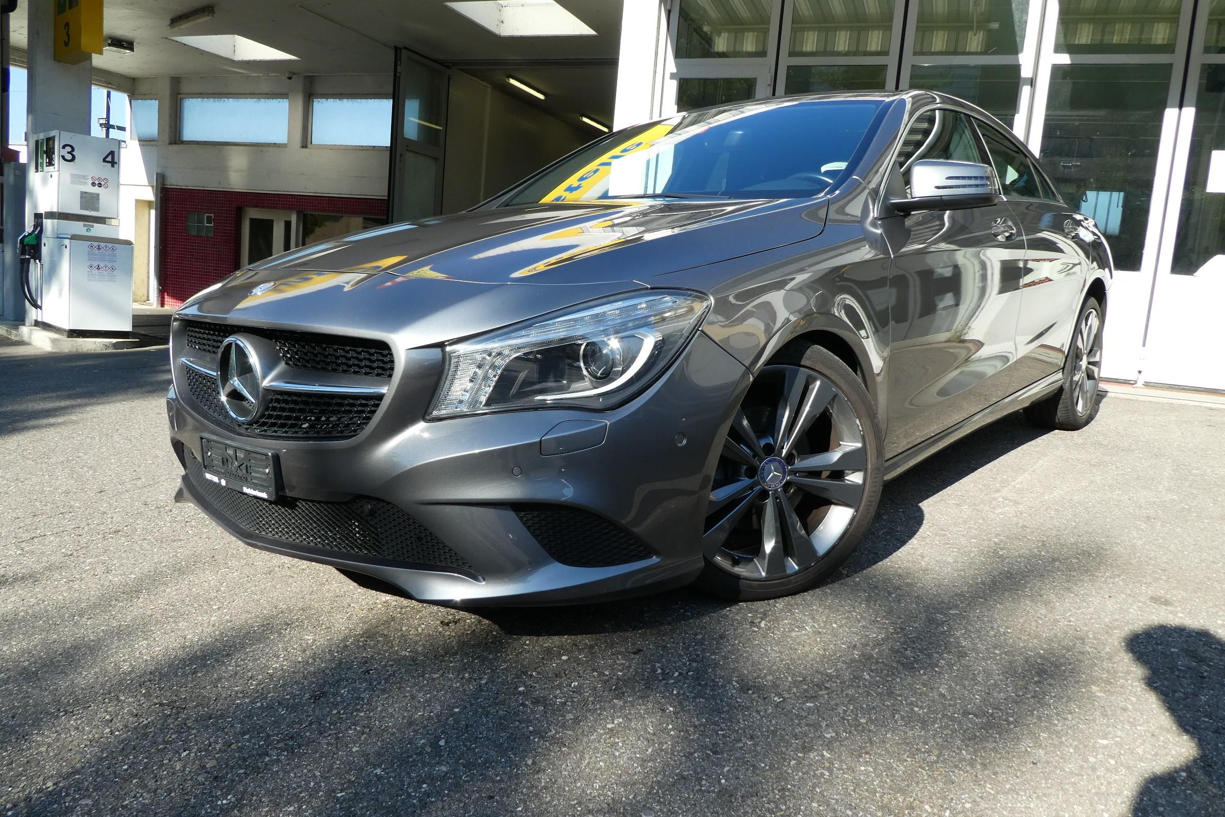 saloon Mercedes-Benz CLA-Klasse CLA 200 Urban 7G-DCT